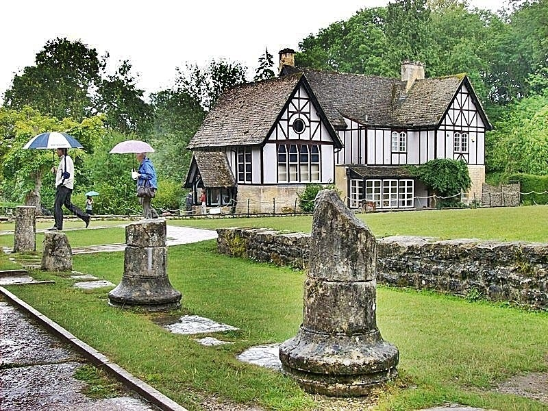 Chedworth Roman Villa, Day Trip from London with Kids